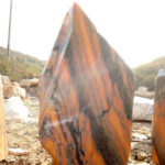 河北省で珍しい石が出ました(赤い夕焼けの景観石)