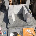 新宿区の寺墓地で石碑の建立